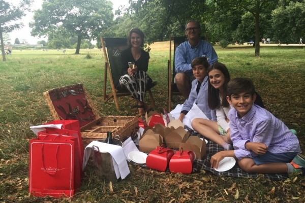 WOW-Moment-London-Tea-Paula-da-Rosa-picnic-1000x667