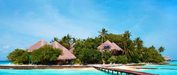 beach-huts-in-the-maldive-4602
