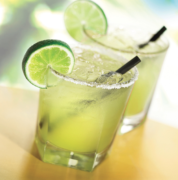 Rick Bayless's gourmet Mexican dishes—and margaritas—are fan favorites at Chicago O'Hare. Photo: Tortas Frontera